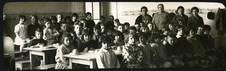 enfance en exil : MIGRANTS AU FIL DE L'HISTOIRE VILLEURBANNAISE